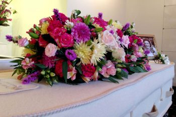 casket-spray-for-funeral-service-at-chadstone