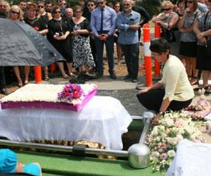 Burials-funeral-director-melbourne